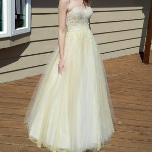 Ball gown pearl prom dress